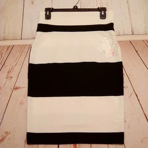 Small LuLaRoe Cassie Skirt